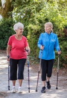 nordic-walking-seniori-s-artritidou